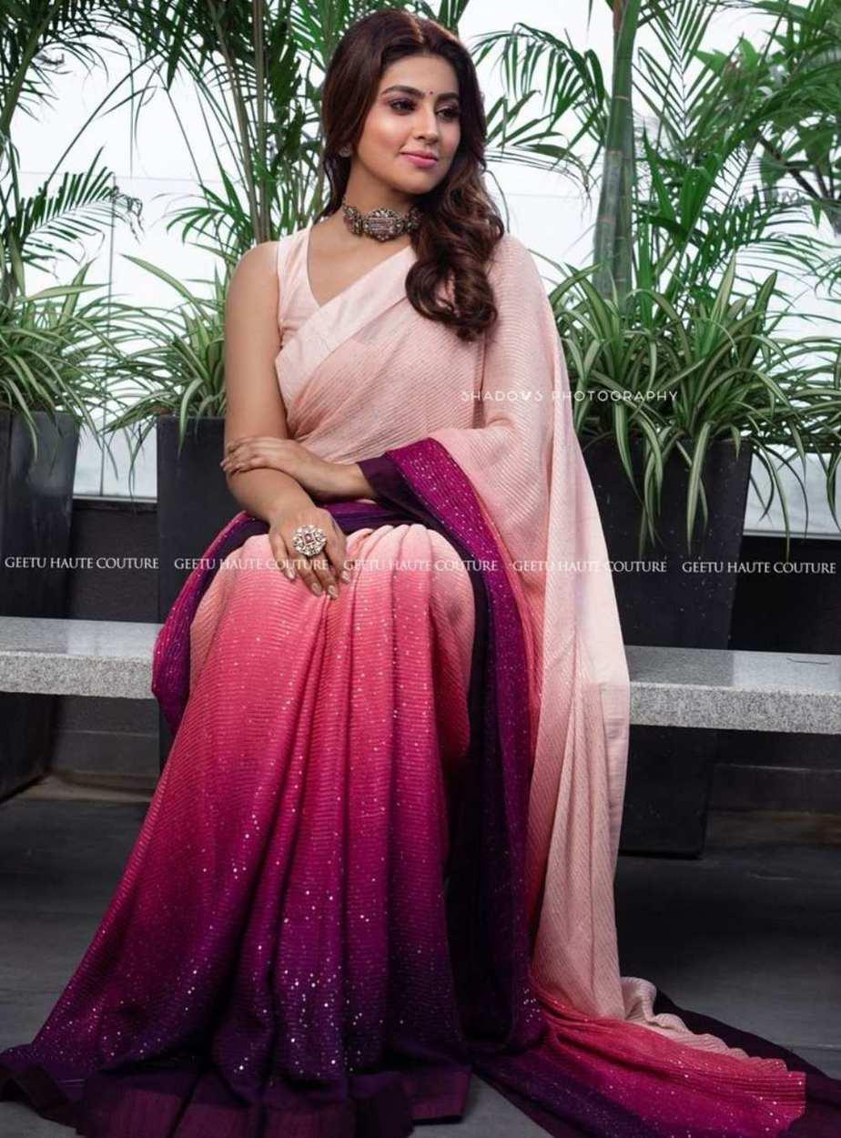 Sneha Prasanna in a pink saree by Geetha Haute couture-4
