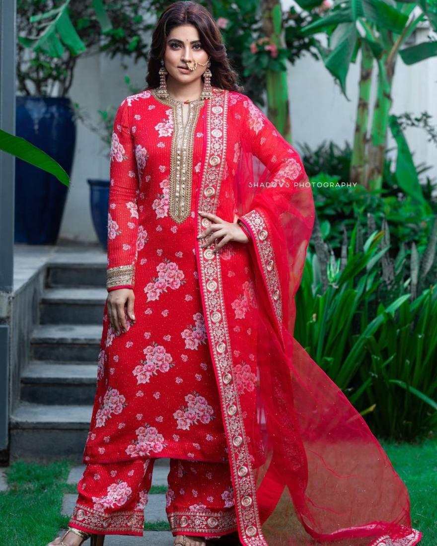 Sneha Prasanna in a red kurta set by Geetha Haute Couture