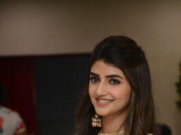 Sreeleela in a yellow anarkali dress for pelli sandaD success meet-2