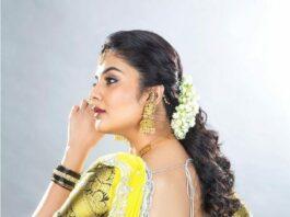 Sreemukhi in a black half saree by Brand mandir for a wedding-1