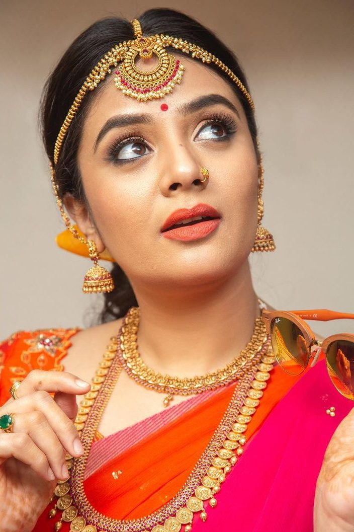 Sreemukhi in a pink pattu half saree by feathers btq-4