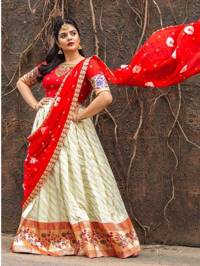 Sreemukhi in a red half saree by Kadambhari studio for comedy stars-1