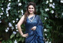 Sridevi Vijaykumar i in blue ruffle saree by neeru's india for comedy stars-1