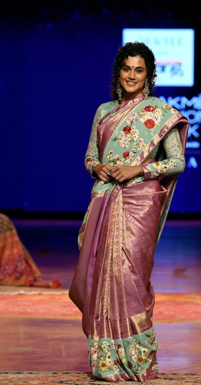 Tapsee Pannu in a pink pattu saree by Gaurang at LFW'21-4