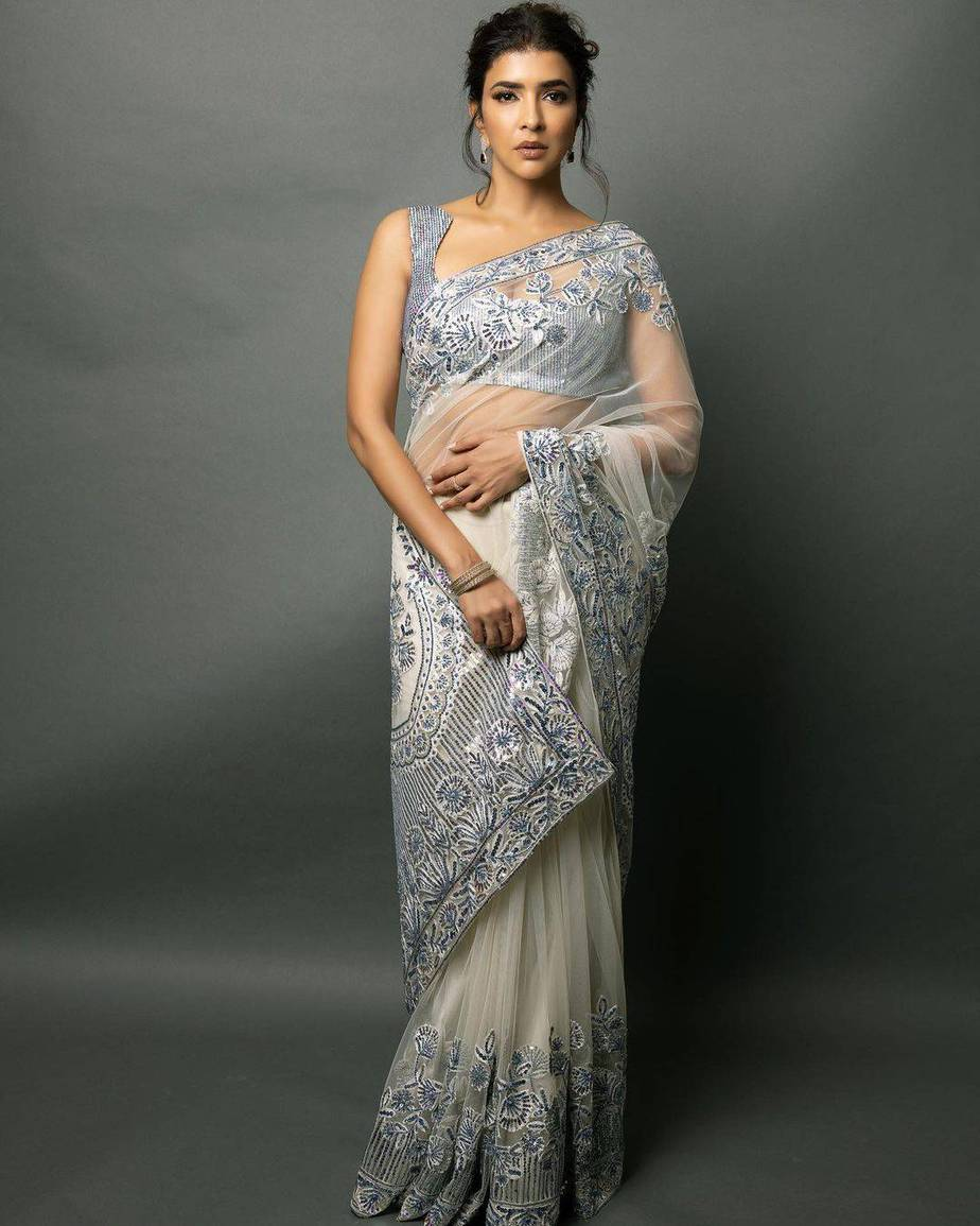 lakshmi Manchu in a white saree by manish Malhotra for SIIMA 2021